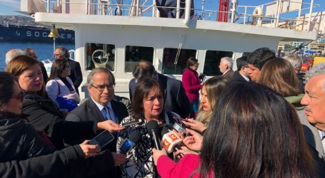 """Senadora Aravena: """"Aquí tiene que haber un compromiso para que de aquí a diez años sólo se trabaje con barcos de investigación pública"""""""