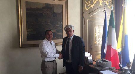 Empresarios italianos interesados en invertir en Lumaco
