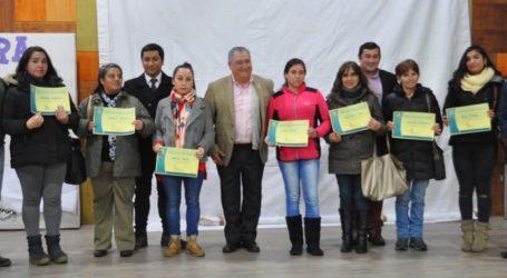 Municipio de Pucón entrega 134 becas