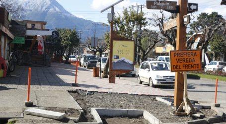 Avances en trabajos de reposición de veredas en Pucón
