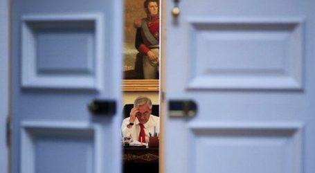 Cadem: aprobación de Piñera 14%