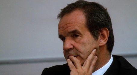 Senado rindió minuto de silencio a víctimas de la Dictadura con solo 3 parlamentarios oficialistas