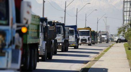 Ministra de Transportes descartó desabastecimiento de combustible por paro de camioneros