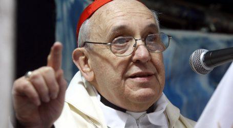 El papa pidió que Jesús «ayude a superar las recientes tensiones sociales» en Chile