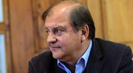 Francisco Vidal anuncia candidatura presidencial