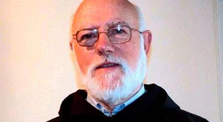 Protesta en la misa de toma de posesión de Aós como arzobispo de Santiago
