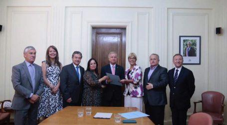Senadora Aravena solicita a Hacienda incorporar rentas regionales en la Reforma Tributaria