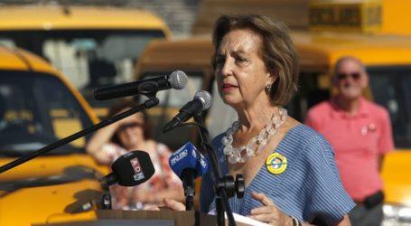 """Ministra de Transportes denuncia acoso de taxista por """"Ley Uber"""""""