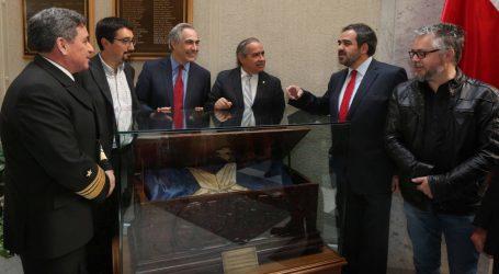 Quintana impulsa el rescate y exhibición de baúl que viajó en el primer acorazado chileno