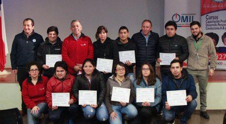 Municipio de Collipulli certificó 18 alumnos para curso de conducción profesional