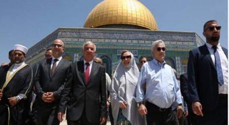 Presidente Piñera llega a Chile tras finalizar su gira por Medio Oriente y Japón