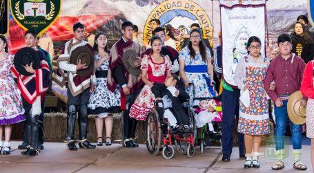Talento y gracia en comunal escolar de cueca en Lautaro