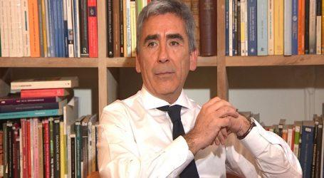 Carlos Peña sobre acusación a Cubillos: Los reproches carecen de base fáctica y corrección conceptual