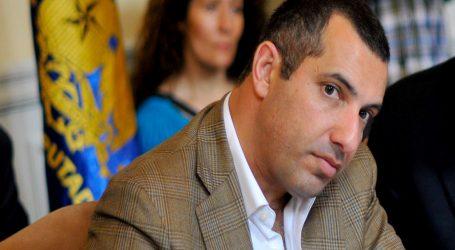 Gustavo Hasbún sigue los pasos del Ministro Palacios y suspende su militancia en la UDI