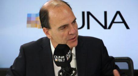 Ministro Monckeberg dio positivo al Covid-19