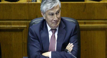 Senador UDI David Sandoval se suma al retiro de pensiones