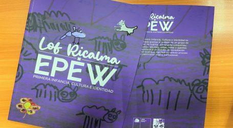 Familias de Icalma reciben libro «Lof Ricalma Epew» creado con sus propios relatos