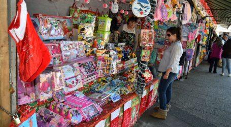 Municipio compromete ayuda a sindicato de vendedores de juguetes y extenderá plazo de permisos para sus próximas ferias